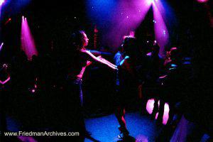 2 women dancing