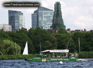 Duck-Tours-in-the-Water