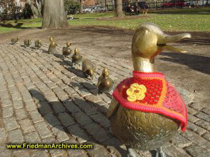 Make Way for Ducklings Statue(s)