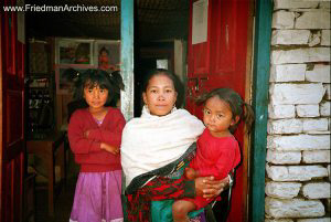 Nepal Images - Mother and Daughters